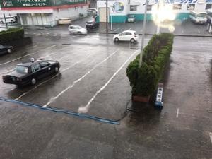 旭交通 大雨.jpg